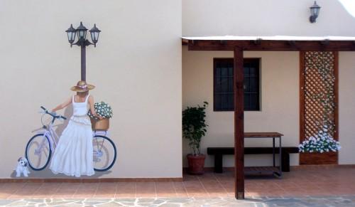 Celosía, farola y bici